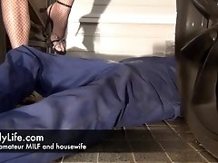 Watch Emily amateur MILF 24h from her house