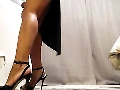 Sexxiest Asian Ever Shows Off & Rubs Clit On Cam