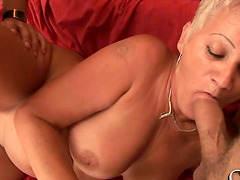 Cock-sucker Iren has a mature pussy that tastes like heaven