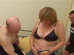 Two men attack an experienced woman for a hot threesome
