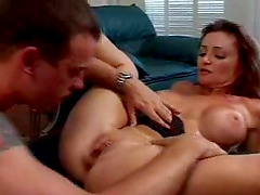Screwing a libidinous sugar right between her shaved pussy lips